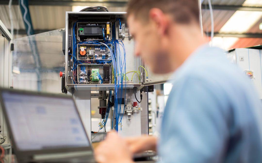 Elektriker/in / Elektroniker/in (m/w/d) – Gebäudetechnik zur Installation und Wartung von Maschinen zur Lebensmittelverarbeitung